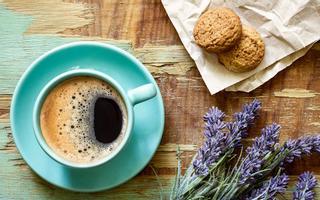 Holiat - Coffee & Dessert
