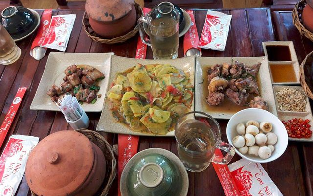 Cơm Niêu Việt Nam