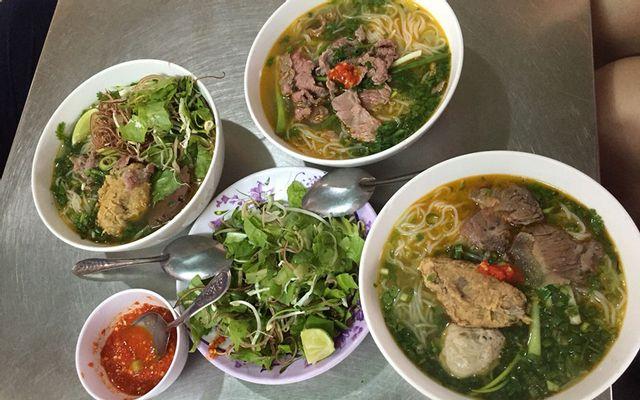 Phượng - Bún Bò Chả Cua ở Huế