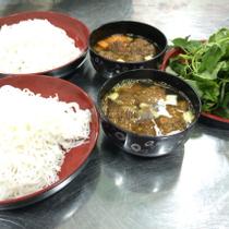 Căng Tin Minh Lan - Cơm, Mì, Bún Chả, Thịt Nướng