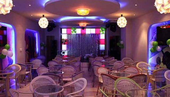 Bar Music Cafe