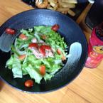 salad chua ngọt với cá