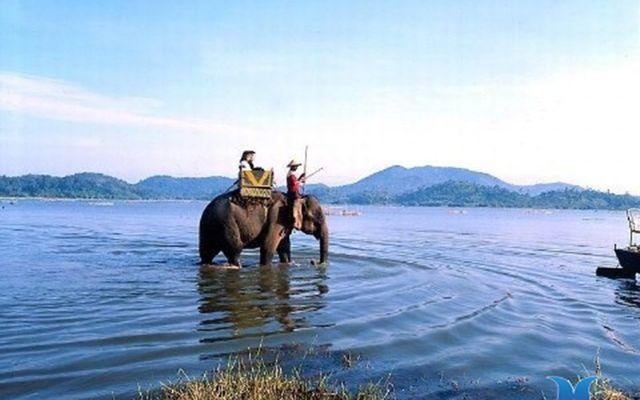 Hồ Lăk ở Đắk Lắk
