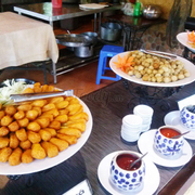 Chạo cá, cá viên, khoai tây
