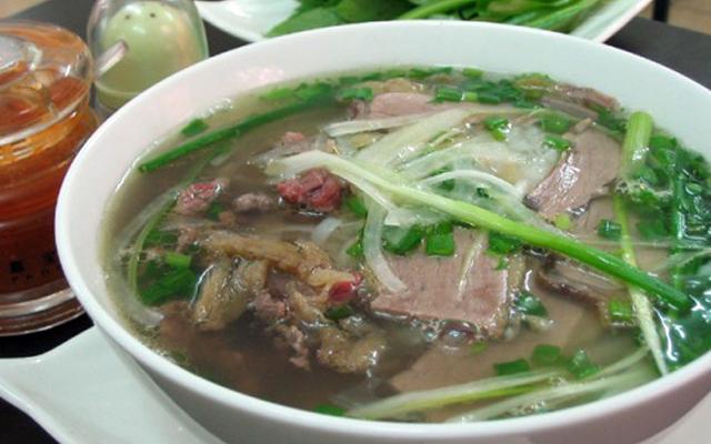 Phở Bò Cụ Tặng ở Nam Định