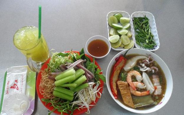 370 Lê Quang Định, P. 11 Quận Bình Thạnh TP. HCM