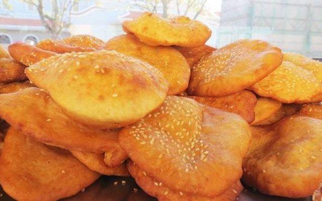 Bánh Tiêu Trần Quốc Toản ở Huế