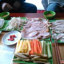 Bánh Tráng Cuốn Thịt Heo - Lý Bôn