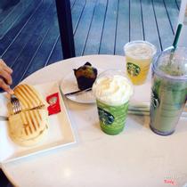 Starbucks Coffee - Nguyễn Huệ