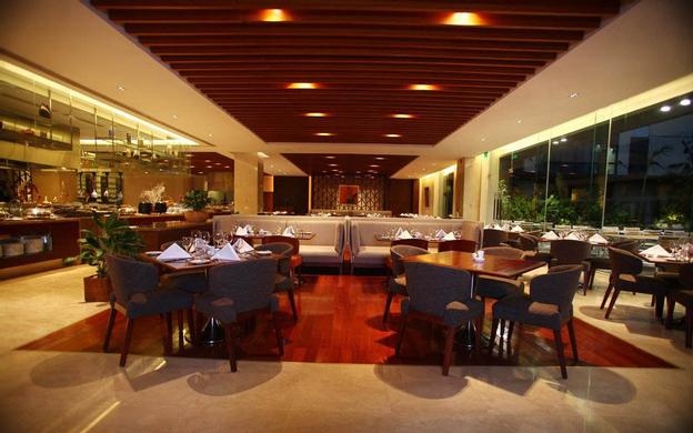 Crowne Plaza West Hanoi Hotel, 36 Lê Đức Thọ Quận Nam Từ Liêm Hà Nội