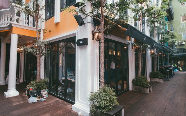 The Society - Bar & Grill - Nguyễn Huệ