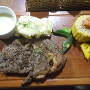 Rib-eye Steak 150g sốt phô mai