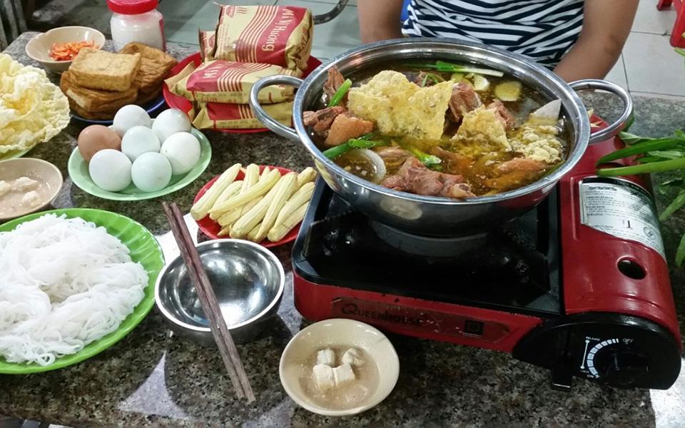 Cẩm Tú - Vịt Nấu Chao