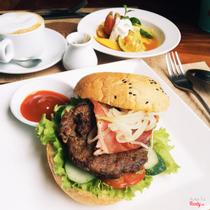 Half Full - Bistro & Cafe