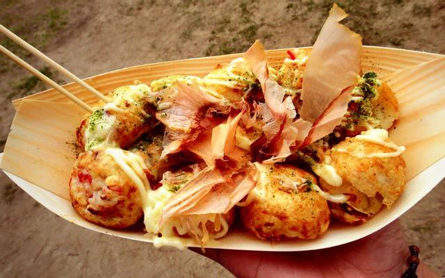 Takoyaki - Bánh Bạch Tuộc Nướng Dĩ An ở Bình Dương