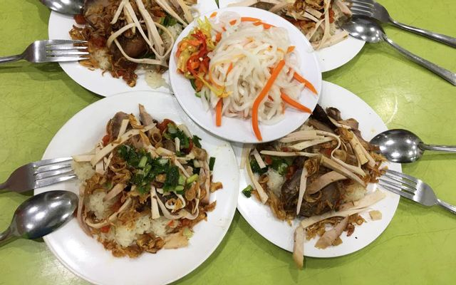 Xôi Chè Bùi Thị Xuân - Vườn Lài