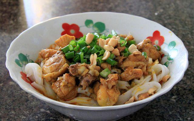 Bánh Cuốn - Mì Quảng