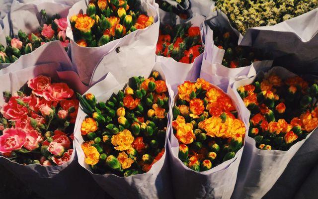 Chợ Hoa Quảng An ở Hà Nội