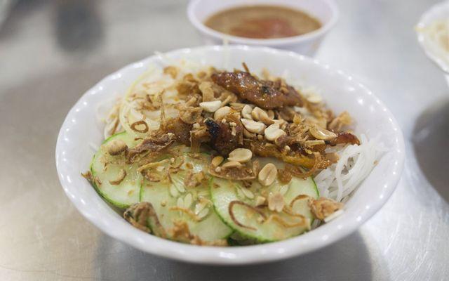 Bún Thịt Nướng Dì Yến - 125 Trần Phú ở Huế