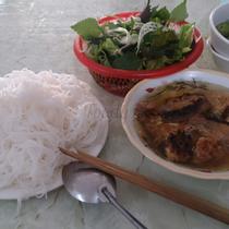 Bánh Cuốn, Bún Chả & Gà Tần