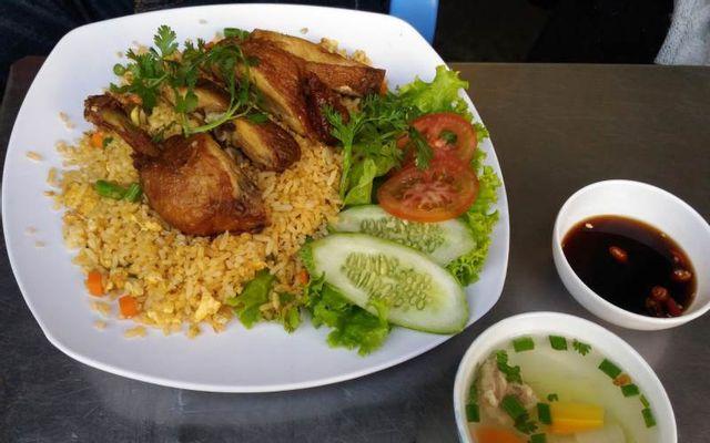 Cơm Đăng Hùng - Cơm Gà Xối Mỡ ở Huế