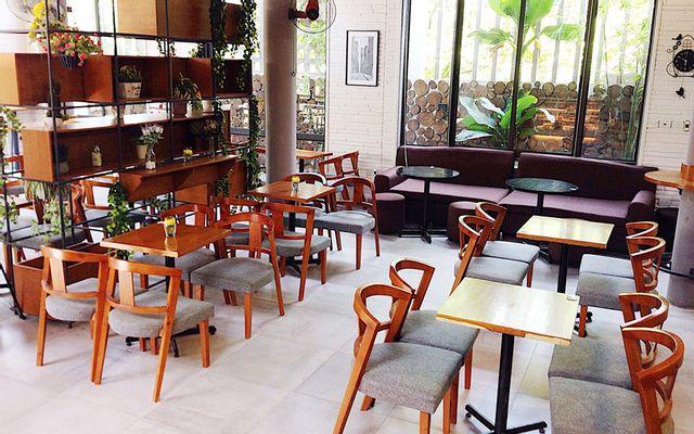 Stay Cafe & Bakery - Bùi Trung Lập ở Quảng Trị