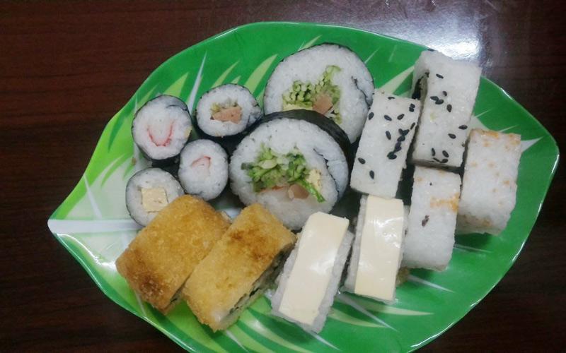 Quán Xóm - Trà Sữa & Sushi