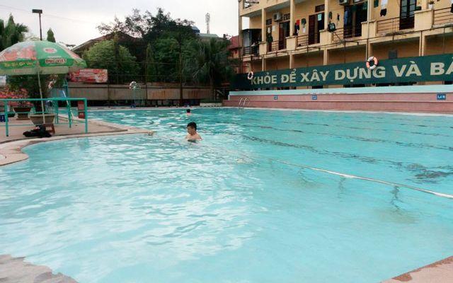 Bể Bơi Tăng Thiết Giáp ở Hà Nội