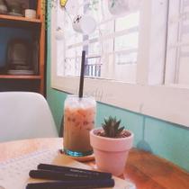 Me cafe Music - English