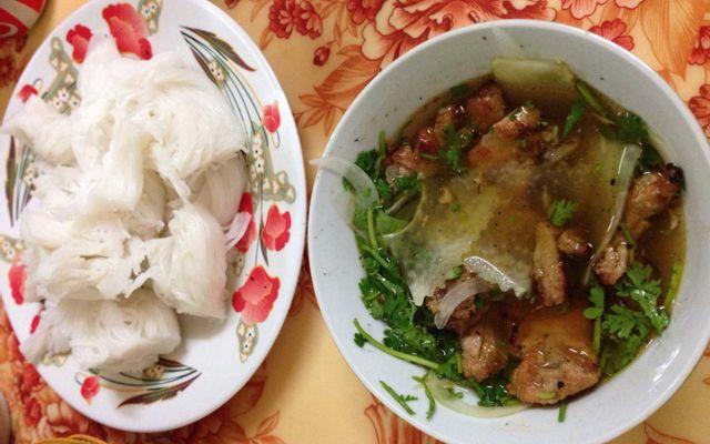 Bà Sinh - Bún Chả & Nem Cua Bể ở Nam Định