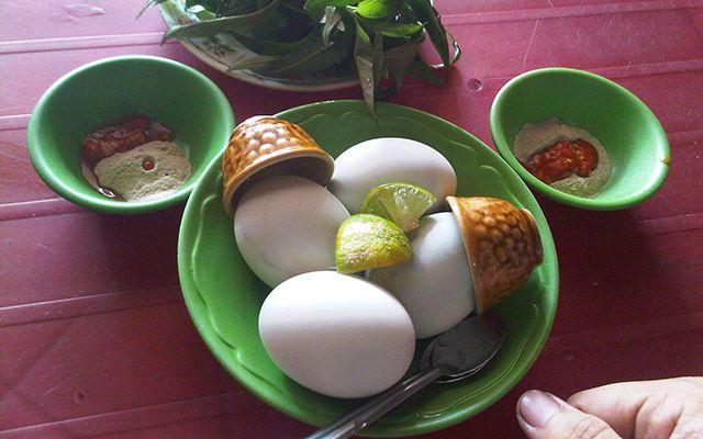 Trứng Lộn O Huệ - 20 Nhật Lệ ở Huế