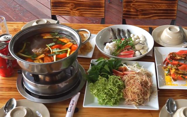 Nhà Hàng Cánh Quạt - Hải Sản & Ẩm Thực Việt ở TP. HCM