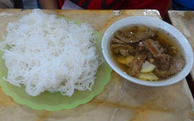 Linh Chi - Bánh Cuốn Chả & Bánh Đa Cá Rô ở Hà Nam