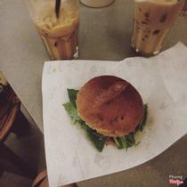 Ro22 - Cafe & Bánh Mì Phở