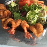 Salad tôm chiên dừa