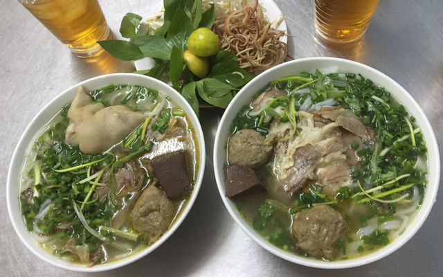 Phú - Bún Bò, Bún Riêu & Cơm Tấm ở Lâm Đồng