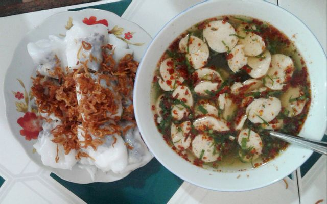 Cô Cúc - Bánh Cuốn ở Hà Giang