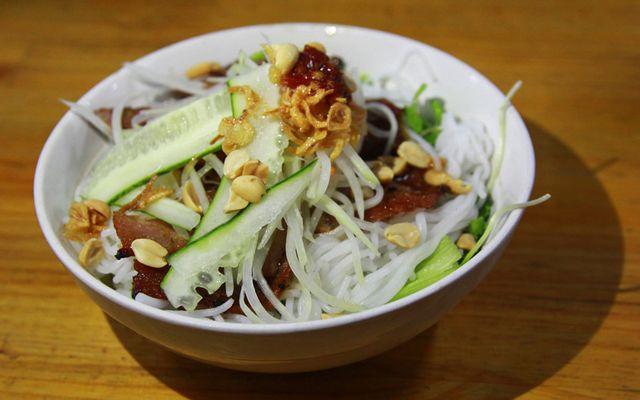 Liên - Bún Thịt Nướng, Bánh Hỏi & Bún Riêu ở Lâm Đồng