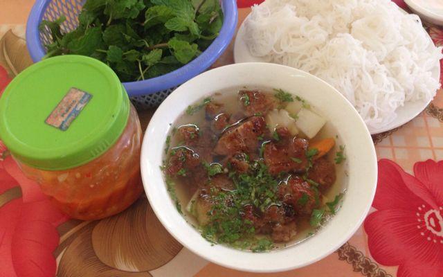 Xuân Nguyệt - Bún Chả & Trứng Vịt Lộn ở Yên Bái