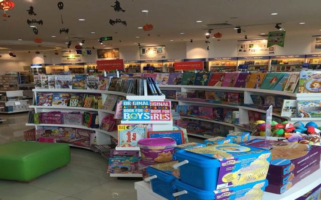 Nhà Sách Phương Nam - TTTM Takashimaya ở TP. HCM