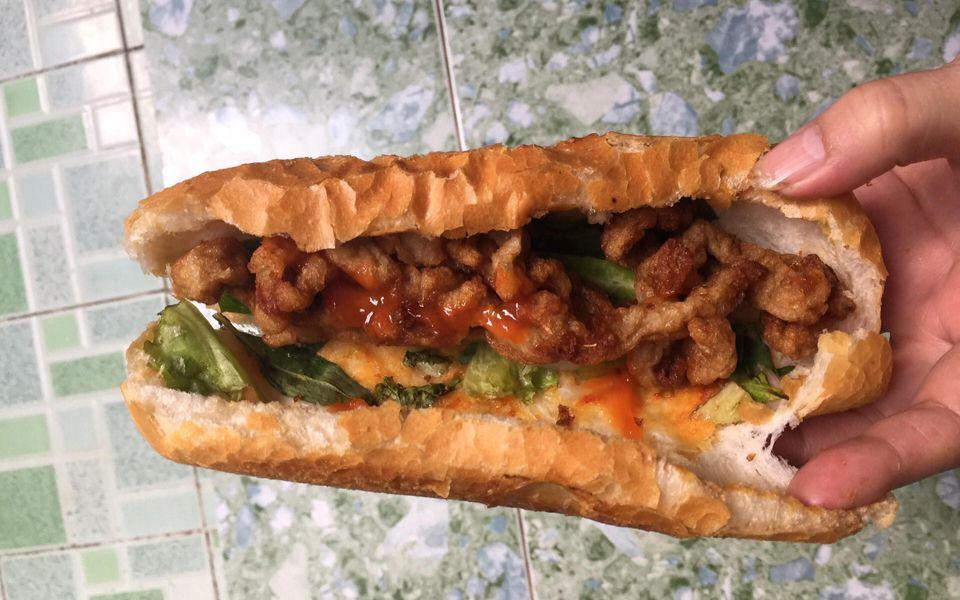 Bánh Mì Chả Cá Nóng 102
