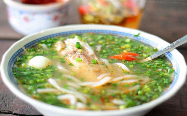 Tuấn - Bánh Canh Cá Lóc & Cá Rô - Nguyễn Chí Thanh ở Huế