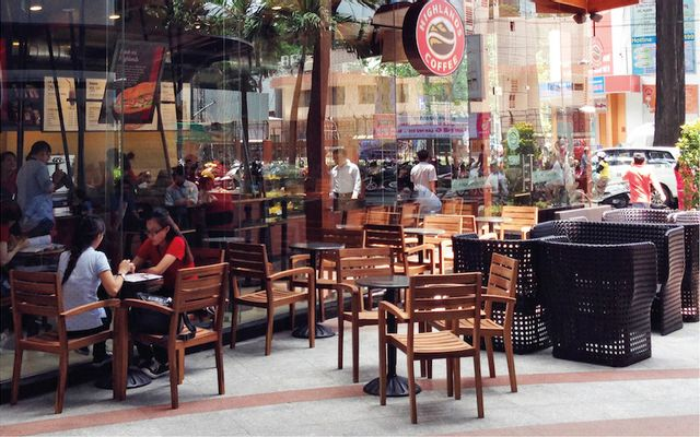 Highlands Coffee - Tùng Thiện Vương ở TP. HCM