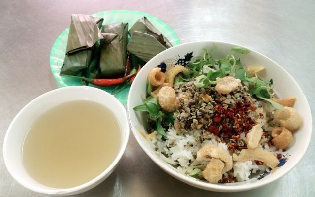 Hòa Đông - Cơm Hến ở Huế