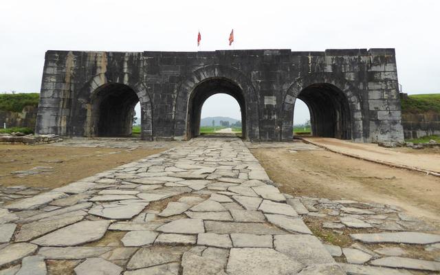 Thành nhà hồ ở Thanh Hoá