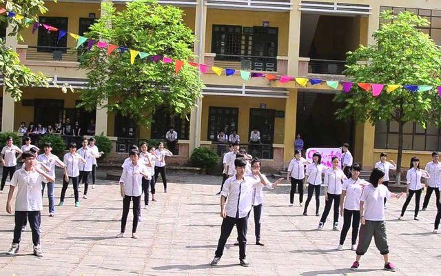 Trường THPT Phạm Hồng Thái ở Hà Nội