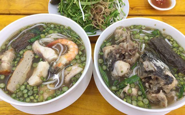 Thưởng thức bún mắm thơm ngon khi du lịch Sài Gòn. (Nguồn: Internet)