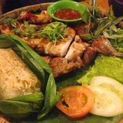 Gà nướng cơm lam