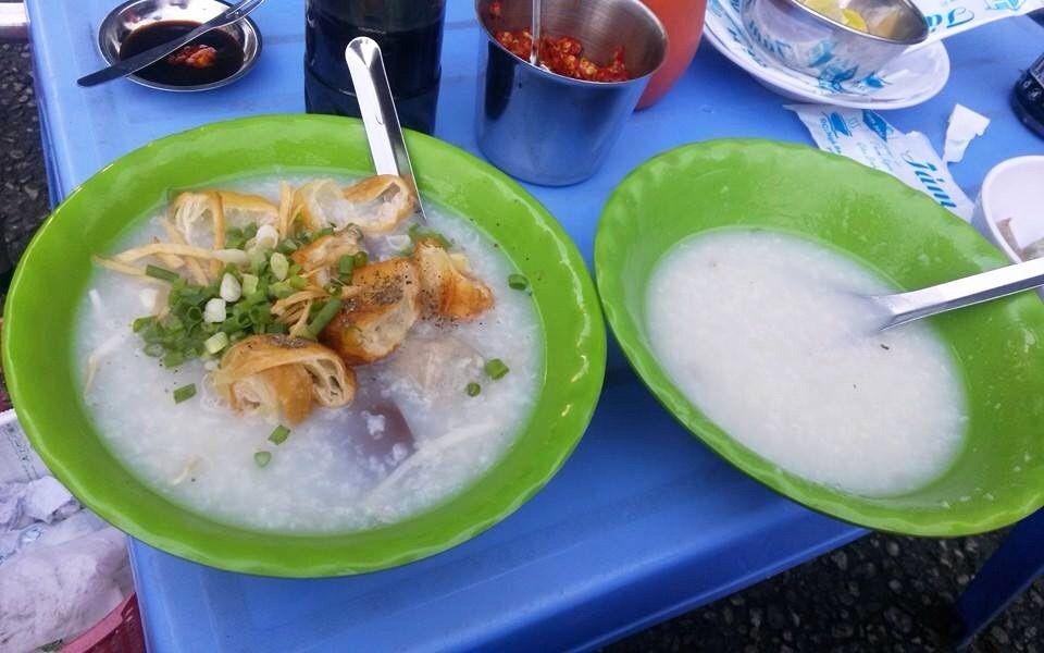 Tám Hói - Cháo Huyết Bò Viên & Giò Heo