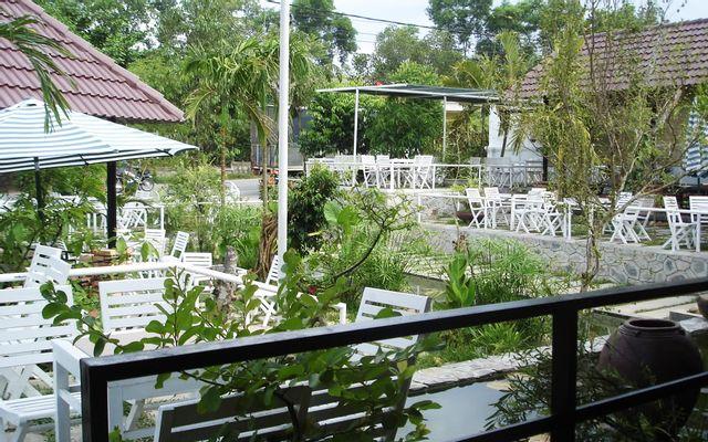 Seal Cafe - Không gian cafe đẹp, thoáng mát ở Huế